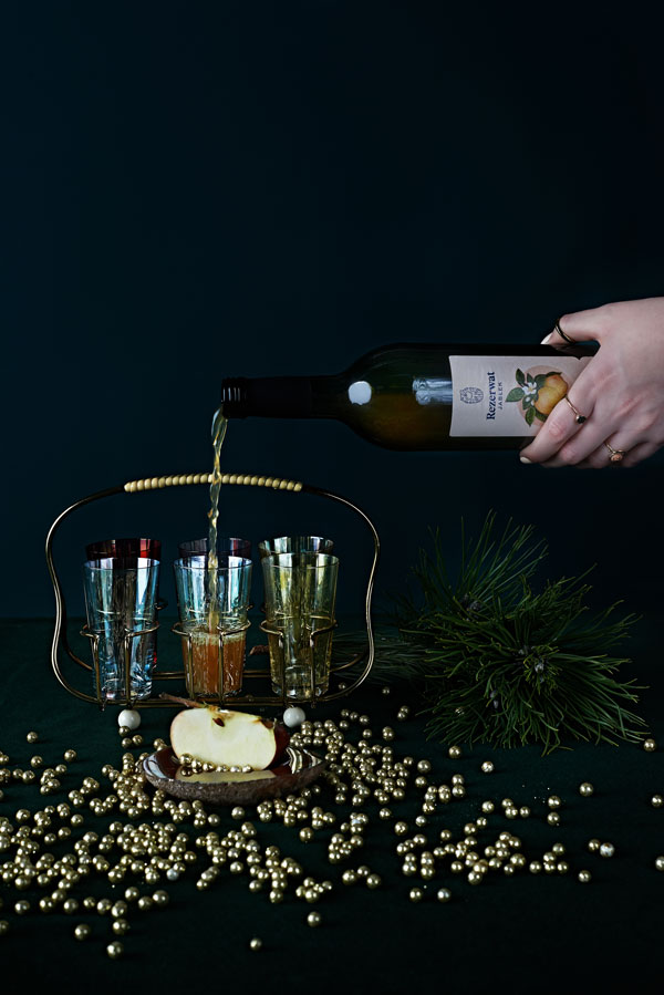 prezentownik świąteczny 2020, co kupić na święta, prezenty na święta, prezenty dla niej, Glodna Daga, Dagmara Rosiak, rezerwat jablek, kukbuk poleca