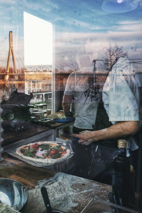 najlepsza pizza neapolitanska, gdzie na pizze w warszawie, najlepsza pizza warszawa, pizza neapolitańska, piec opalany drewnem, dwa osiem